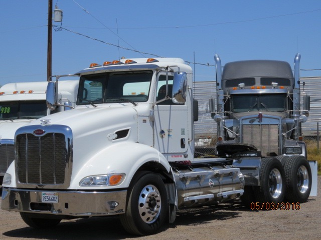 2011 Peterbilt 384, LNG Stock No. 1011
