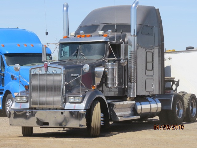 2010 Kenworth W900, Stock No. 1018