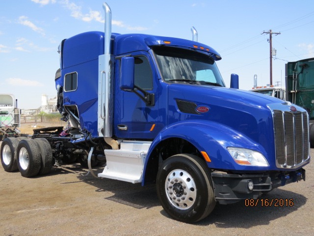 2014 Peterbilt 579 Stock no. 1063
