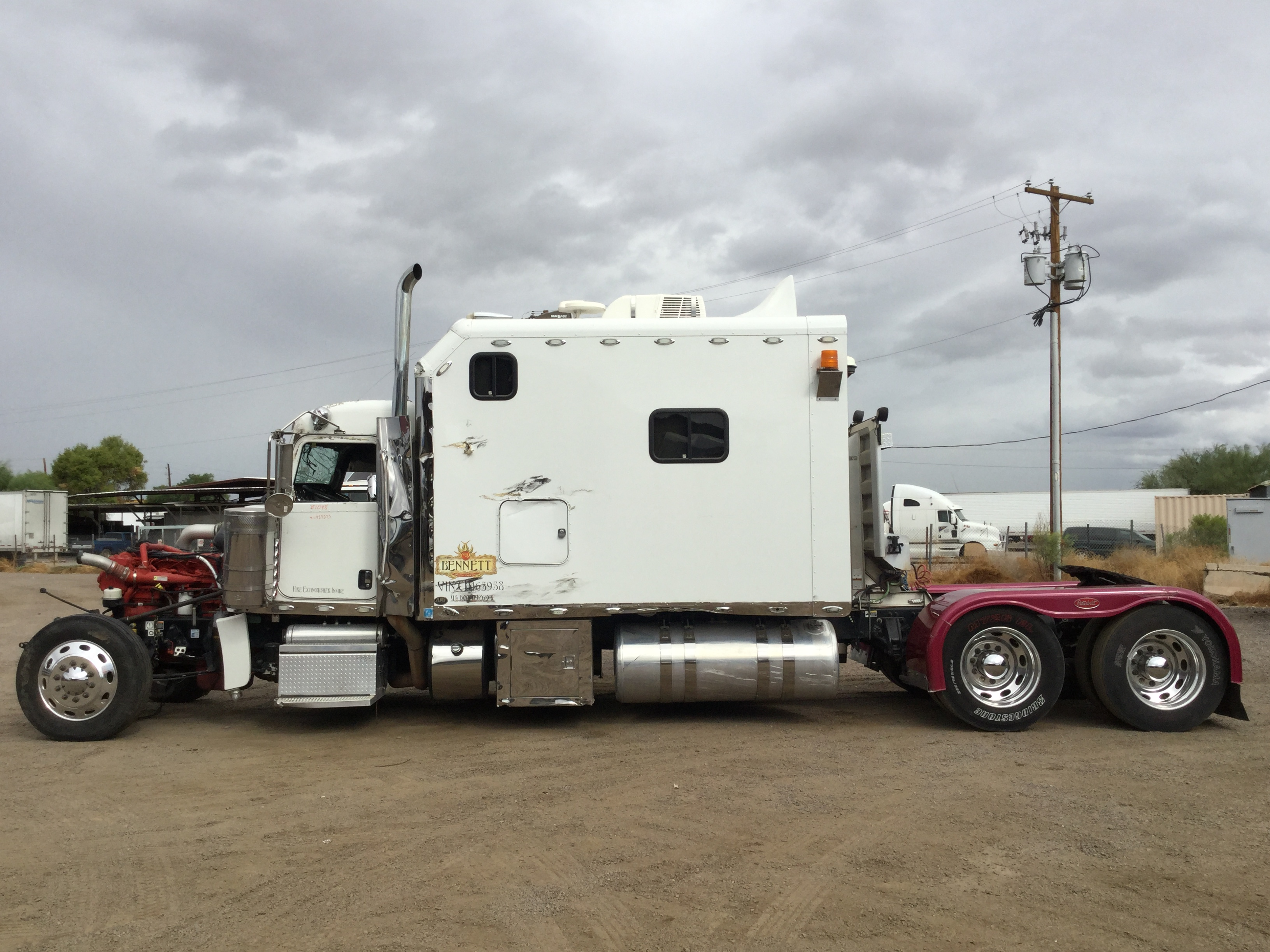 2012 Peterbilt 389 Stock no. 1048