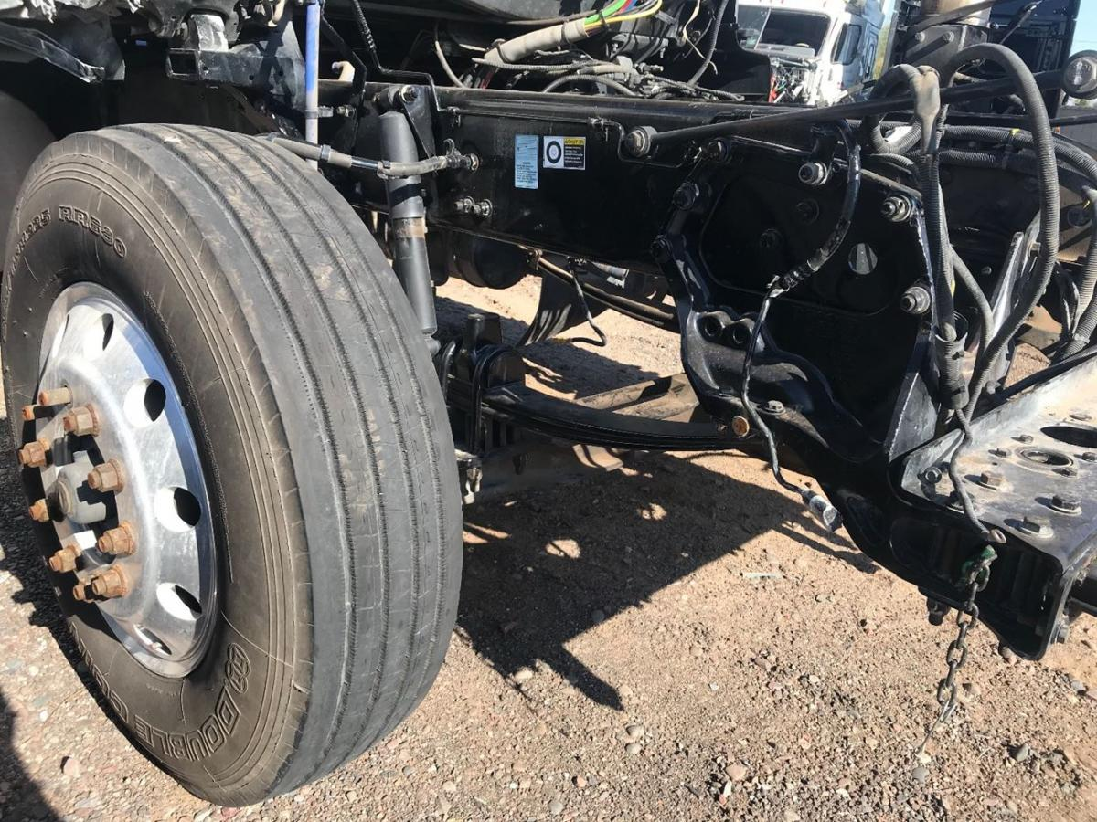 2017 Kenworth T680 Front clip