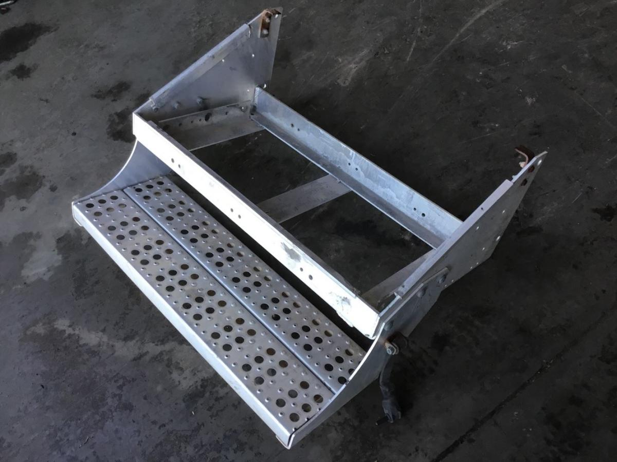 Freightliner Aluminum Battery boxes