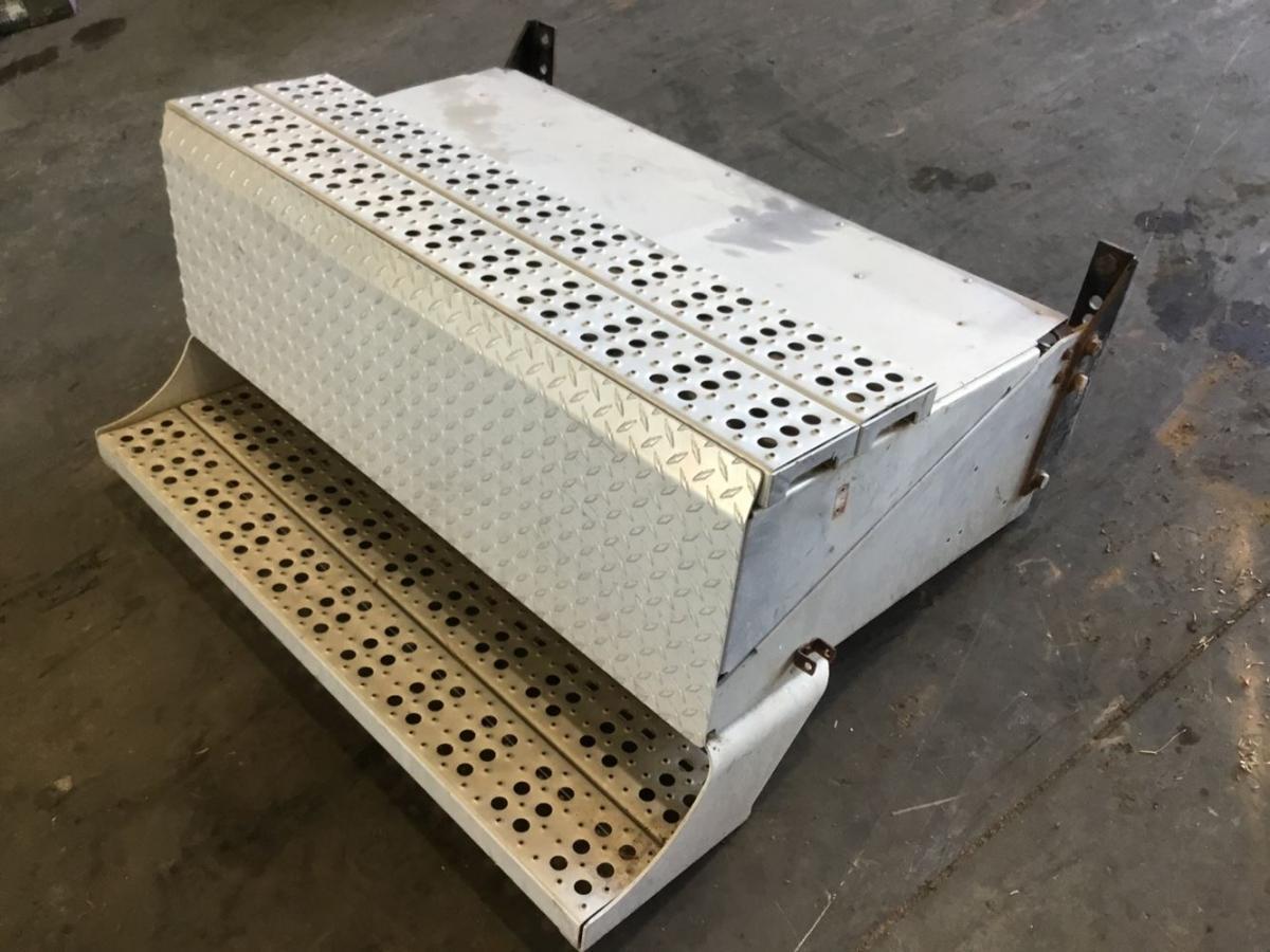 Freightliner Aluminum Battery box
