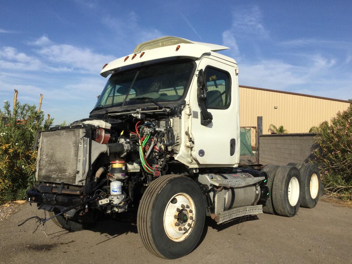 2016 Freightliner Cascadia 113