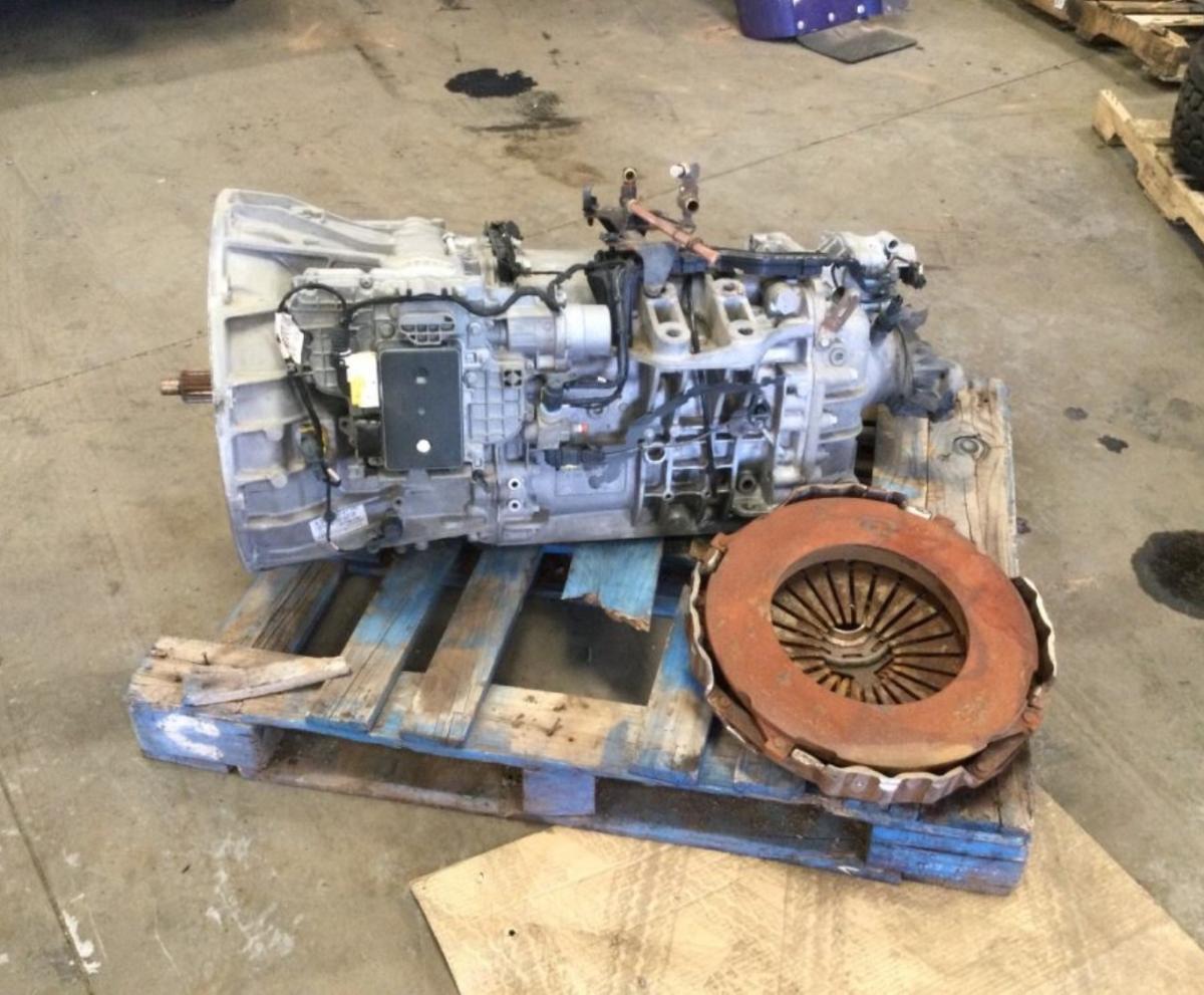 Detroit DT12 Transmission