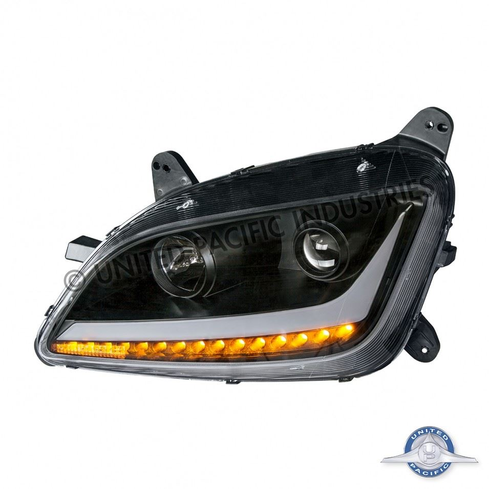 579/587 Peterbilt Headlight - Driver