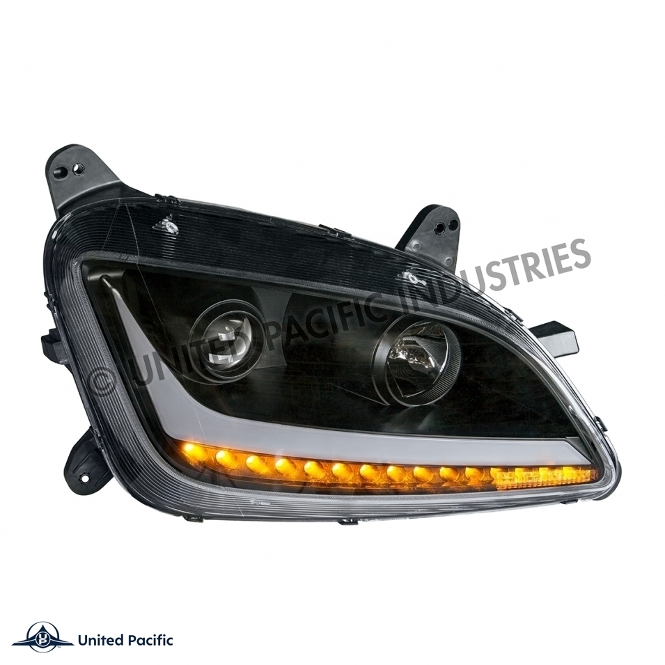 579/587 Peterbilt Headlight - Passenger